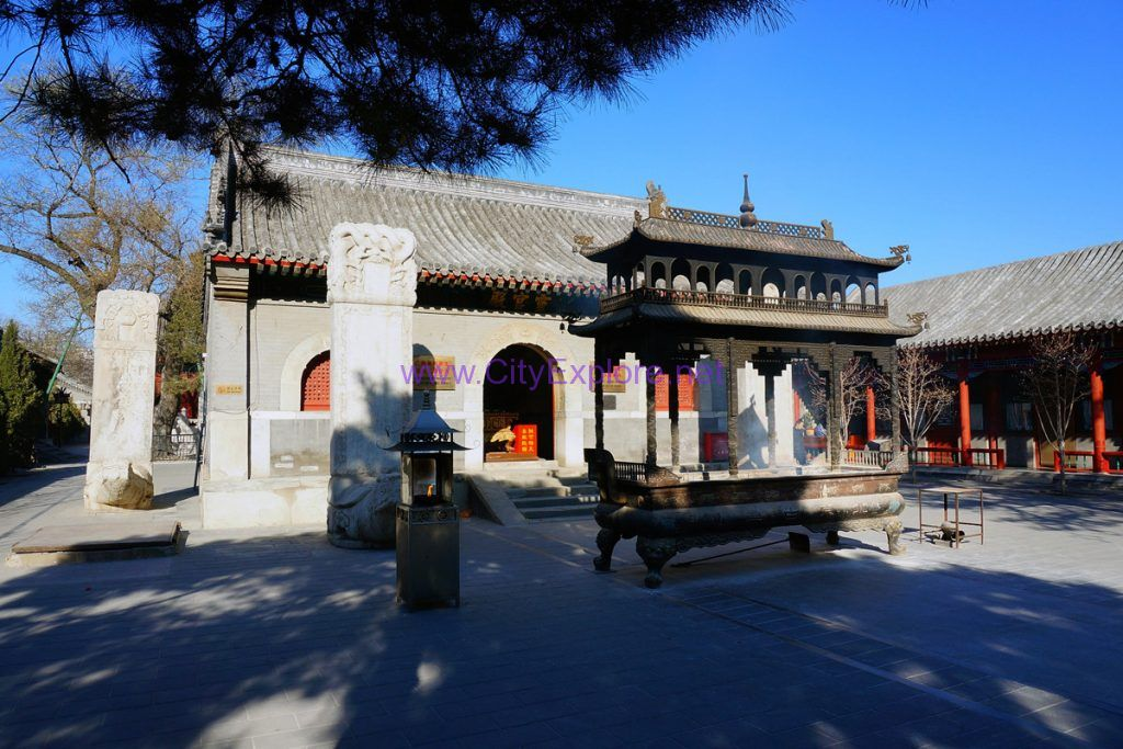 Hall of Divine Inspiration of White Cloud Temple