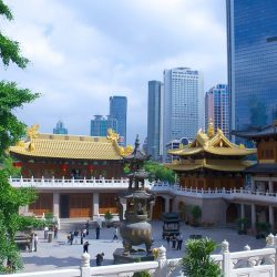 Jing'an Temple, has a history of over 1700 years