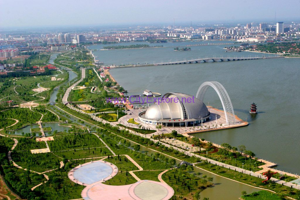 Beijing-Hangzhou Grand Canal,excavated in the Sui Dynasty (581-618 AD)